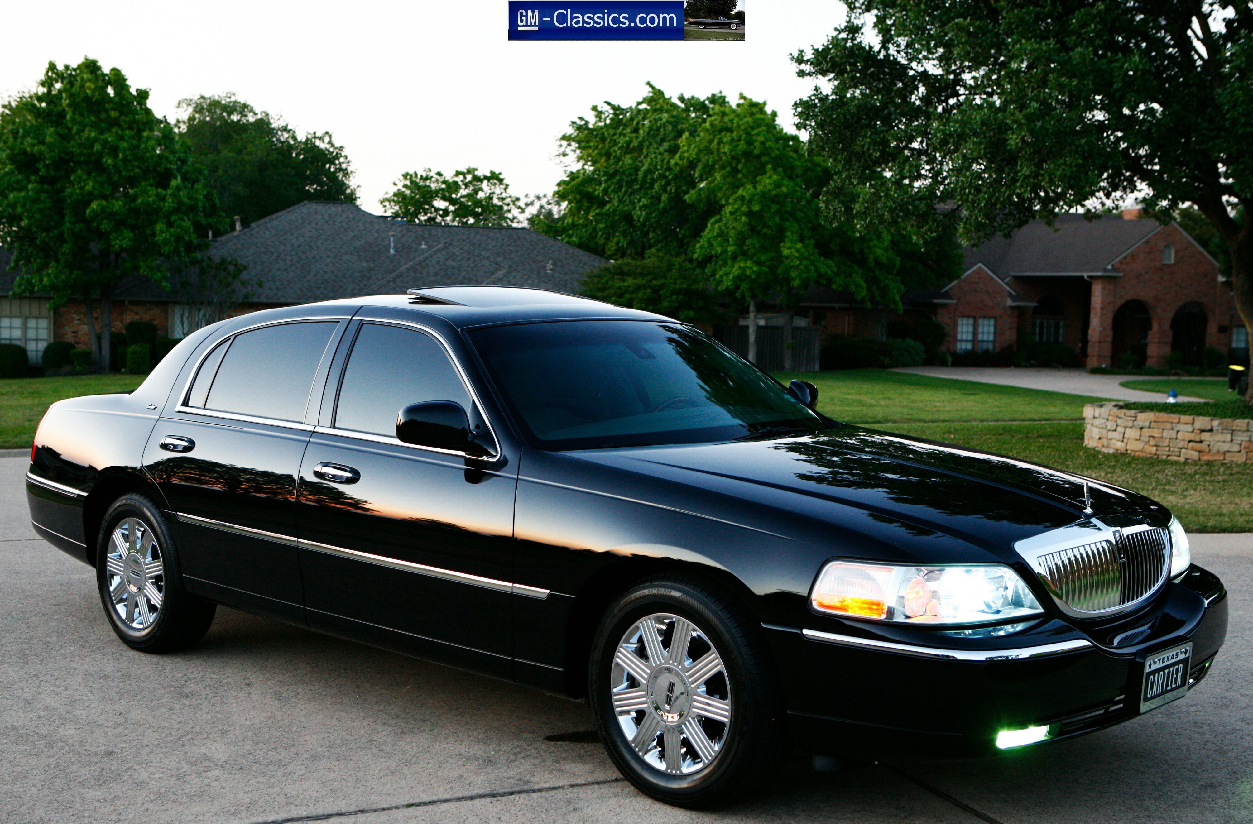 find used 2003 lincoln town car cartier show condition. Black Bedroom Furniture Sets. Home Design Ideas